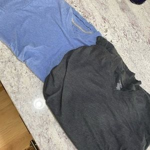 Banana Republic V-Neck Shirts - Size XL